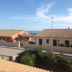 Elegante Villa A Marina Di Ragusa Con Piscina